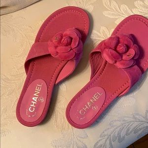 Chanel pink suede sandal new